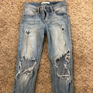 Distressed mid rise jeans! Super cute! Gently worn